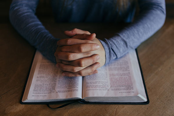 Prayer on Bible